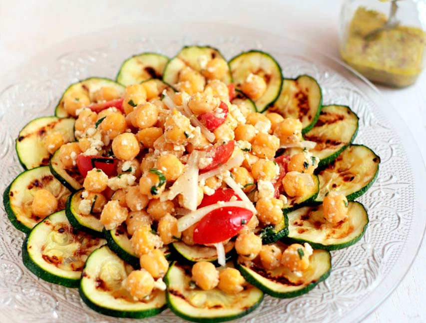 Ensalada de garbanzos y zucchini